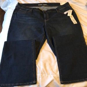 NWT. Old navy mid rise boot cut jeans